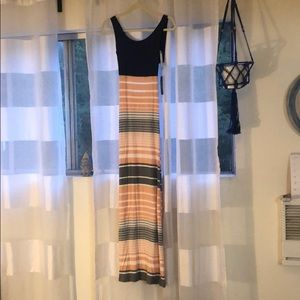 Maxi dress with cross back